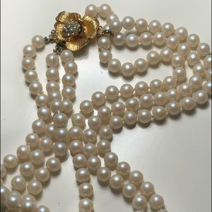 Vintage 3 Strand pearl necklace flower clasp